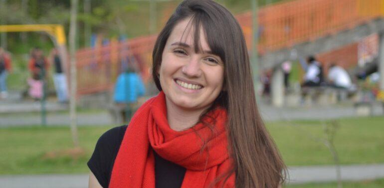 Conheça Mayara Colzani, candidata à prefeita de Joinville pelo PSOL