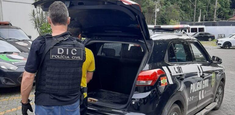Polícia Civil efetua prisão em Joinville de homem por roubo em Garuva