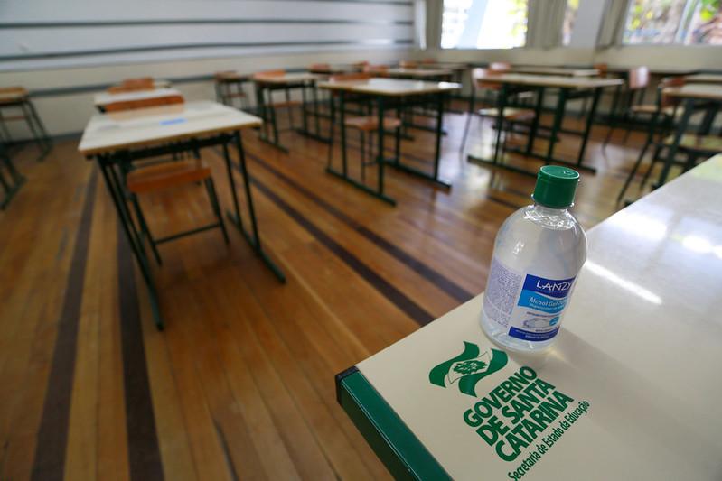 Professores estaduais decidem pela paralisação das aulas presenciais