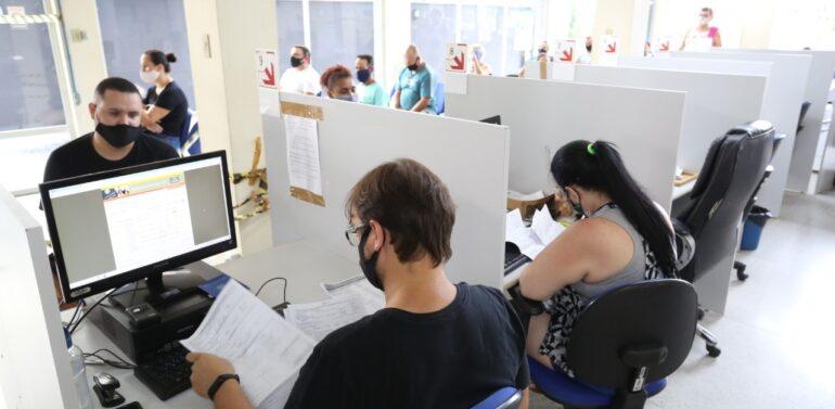 Confira as vagas de emprego disponíveis no Sine de Araquari