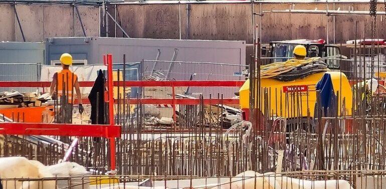 Pesquisa revela: 84% das construtoras do país enfrentam desabastecimento de aço