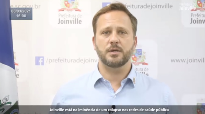 VÍDEO = Prefeito Adriano Silva anuncia toque de recolher em Joinville