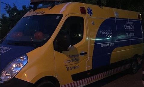 Homem  morre atropelado por caminhão na BR-101 em Araquari