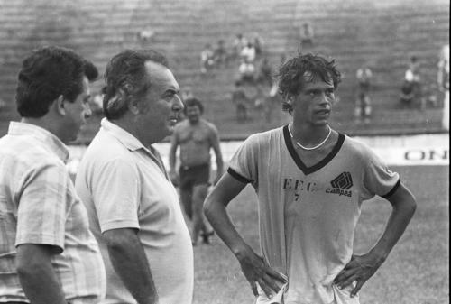 Bicampeão pelo JEC, ex-técnico Diede Lameiro morre aos 87 anos