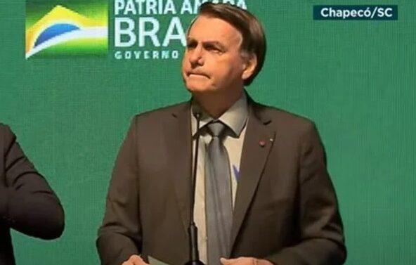 Bolsonaro diz que deve vetar fundo eleitoral de R$ 5,7 bilhões para 2022