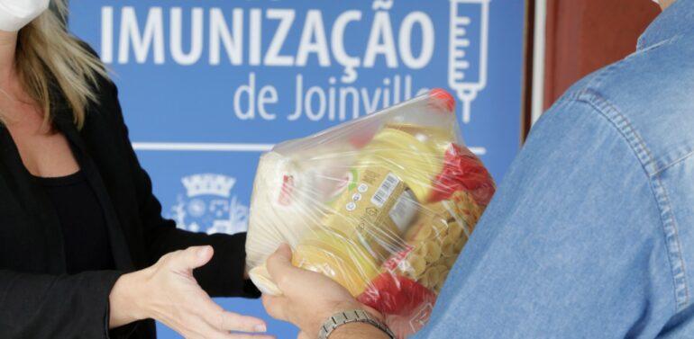 Doses de Bondade: quem for vacinado contra a Covid-19 pode doar alimentos em Joinville
