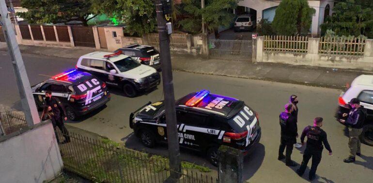 Caixeiros são presos em Joinville após arrombar banco em São Paulo