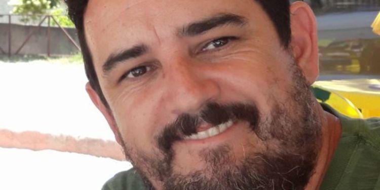 Homem morre após sofrer parada cardíaca em campo de futebol