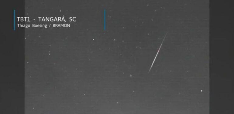 Meteoro interestelar é registrado por câmera de observatório astronômico no Estado