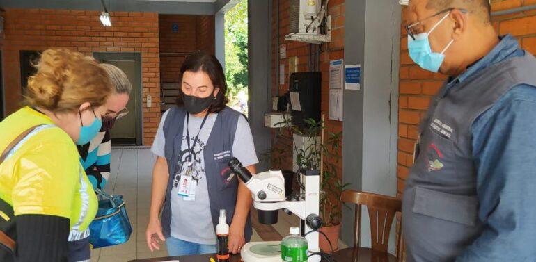 Saúde realiza ação educativa de combate à dengue em empresas