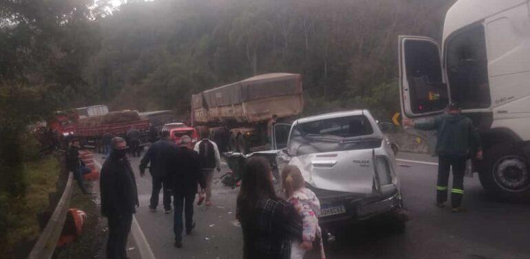 Congestionamento provoca novo acidente na BR-376