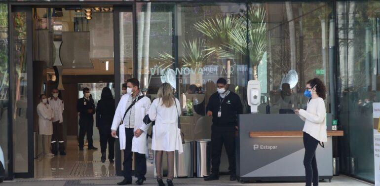 Bolsonaro tem evolução clínica satisfatória, diz boletim médico