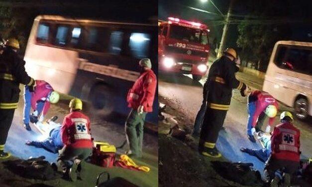 Após cair da moto, motociclista foge e abandona caroneiro ferido