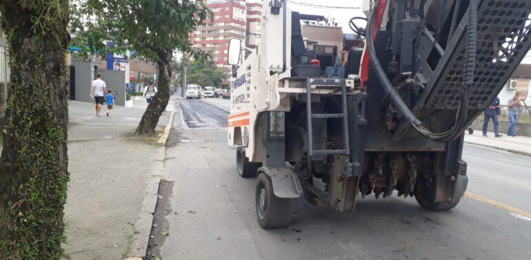 Prefeitura inicia obra de recuperação asfáltica da rua Anita Garibaldi