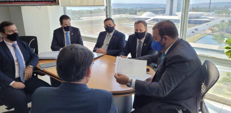 Em Brasília prefeito compartilha demandas de Joinville nos Ministérios