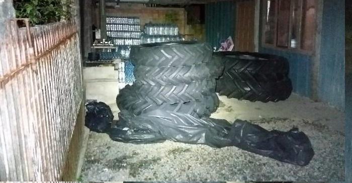Quatro são presos após roubo de carga de pneus, bebidas e receptação