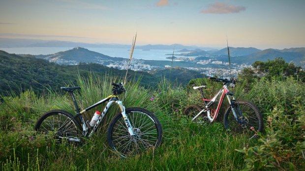 Novas leis incentivam o ciclismo de montanha e a permanência de jovens no campo