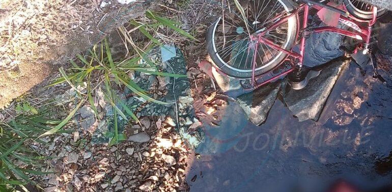 Homem morre afogado ao se desequilibrar de bicicleta em Pirabeiraba