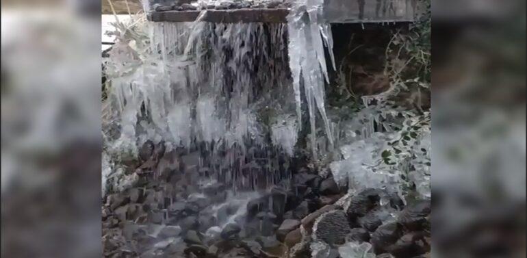 VÍDEO: Baixa temperatura congela cachoeira na Serra