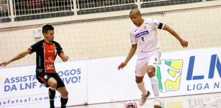 Jec/Futsal Carlos Barbosa empatam em duelo de viradas