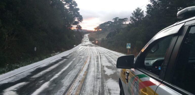 Rodovias Catarinenses são interditadas após congelamento de pista