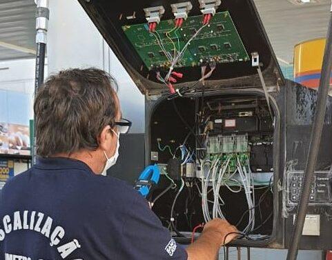 Megaoperação do Imetro-SC detecta fraudes e interdita bombas de combustível
