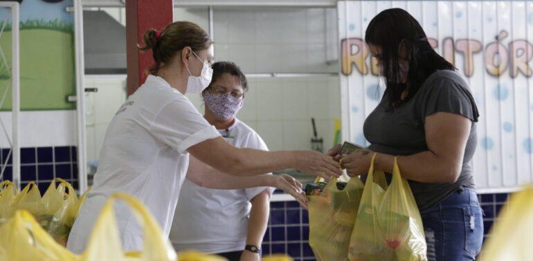 Secretaria da Educação inicia nova etapa de entrega dos kits-alimentação