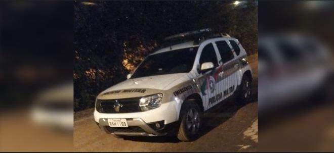 Jovem é preso por tráfico de drogas no bairro Jardim Iririu