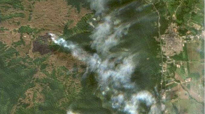 Imagens de satélite mostram fumaça e destruição do incêndio no Quiriri
