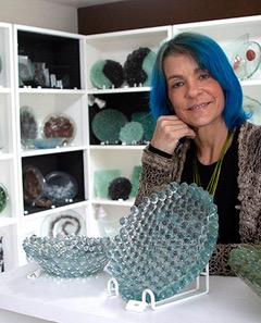 """Marcia Lepage estreia exposição """"Arte que se usa"""" na Galeria Euarte"""