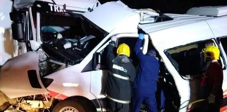Acidente envolvendo ambulância deixa três mortes na BR-470