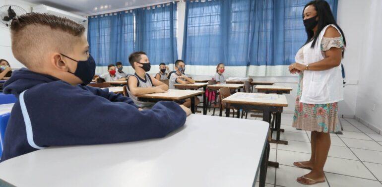 Joinville terá aulas 100% presenciais