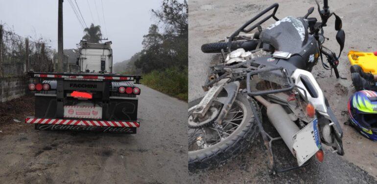 Motociclista fica gravemente ferido após colidir contra caminhão em Itapoá