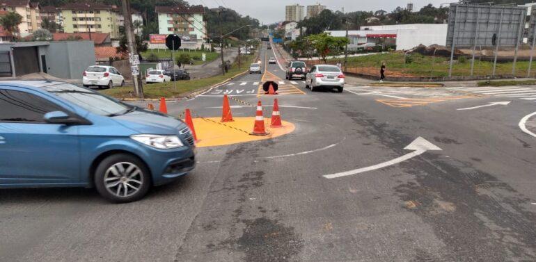 Cruzamento das ruas Marquês de Olinda e João Pessoa recebe rotatória