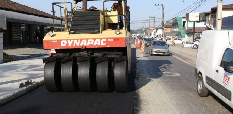 Obras de Saneamento Básico seguirão pela calçada no bairro Boa Vista
