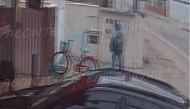 VÍDEO : Ladrão de bicicleta é preso em flagrante