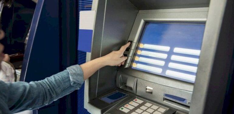 Polícia dá dicas de como evitar golpe do depósito com envelope vazio
