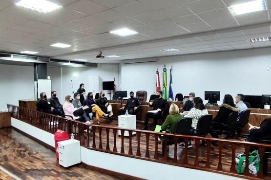Juiz de Joinville reúne instituições para discutir ações de ressocialização dos apenados