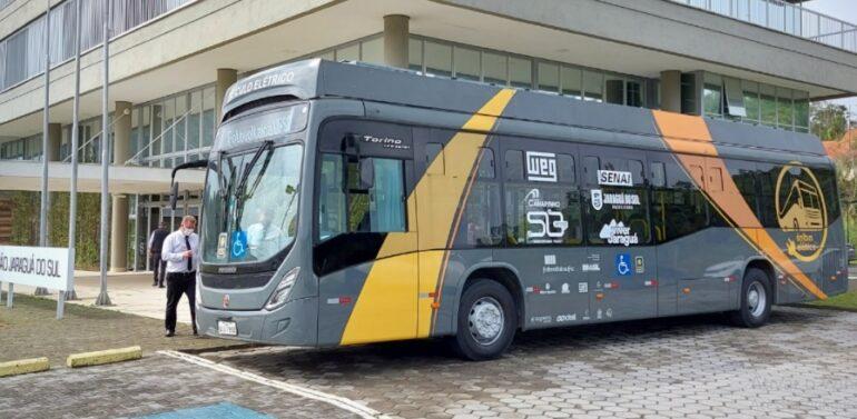Prefeitura de Jaraguá do Sul apresenta ônibus elétrico