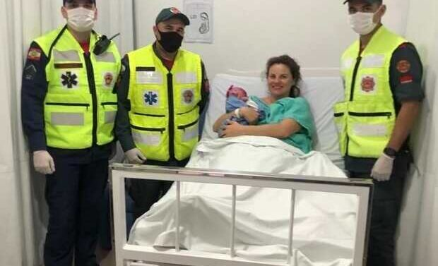 Em parto emergencial bebê nasce dentro de ambulância no Litoral Norte