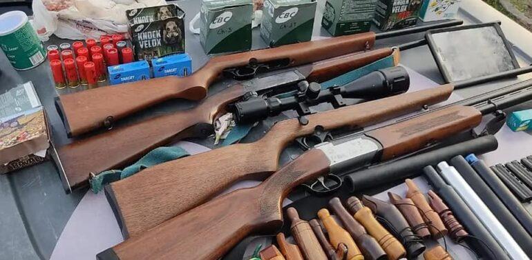 Polícia Ambiental apreende arsenal de caça em Pirabeiraba