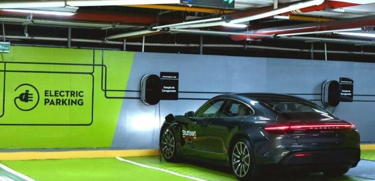 Garten conta com estações de recarga da Porsche Brasil para veículos elétricos e híbridos