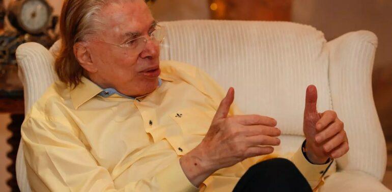 SBT desmente internação de Silvio Santos e diz que ele está bem e em casa