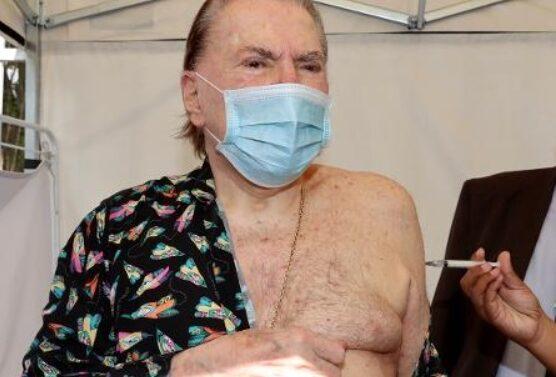 Silvio Santos, de 90 anos, é internado com Covid