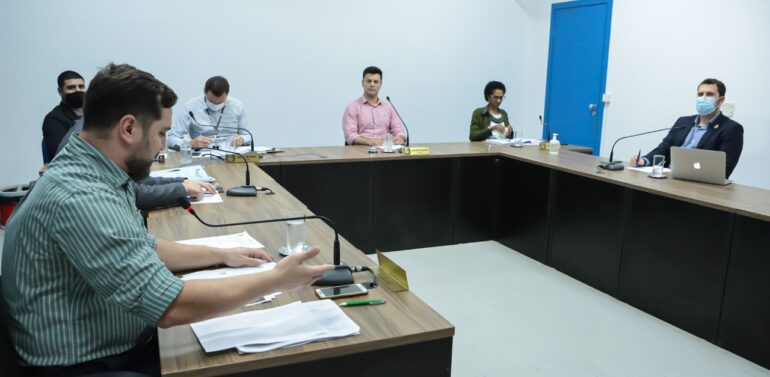 Educação debate roteiros de aulas e formas de avaliação na rede municipal
