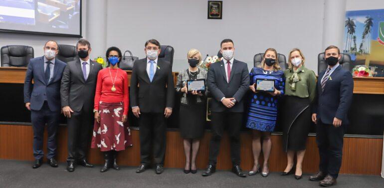 CVJ homenageia OAB Joinville e curso de Direito da Univille