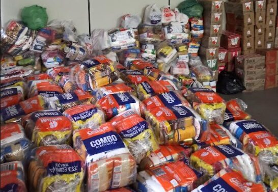 Voluntários arrecadam 14 toneladas de alimentos
