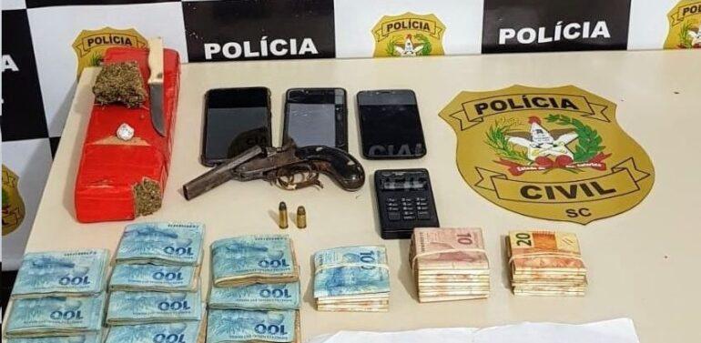 Trio é preso por invasão de terrenos particulares em Barra Velha