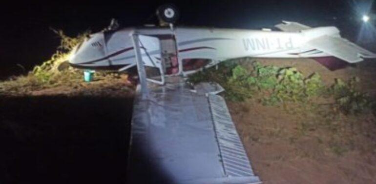 Caça da FAB abate avião com quase 300 kg de cocaína