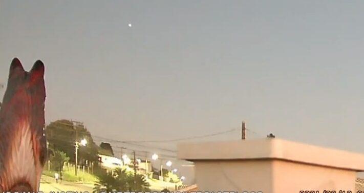 VÍDEO : Meteoro 'bola de fogo' cruza o céu de SC; veja vídeo